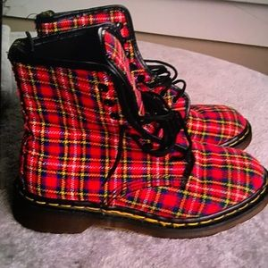Dr. Martens uk made plaid 8 eye combat boots NWT